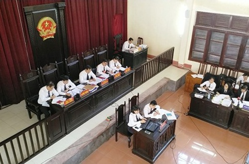 Hội đồng xét xử vụ án tai biến chạy thận tại Bệnh viện Đa khoa tỉnh Hòa Bình